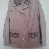 Курточка-плащ 52 размер в очень хорошем состоянии