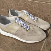 Женские кроссовки 39