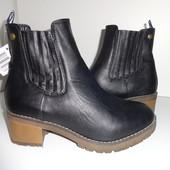 Летом дешевле! 39-,40- Esmara Германия шикарные теплые челси с мехом ботиночки,модель супер!
