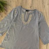 Женская блуза. Размер S. В хорошем состоянии.