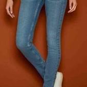 Суперстильные джинсы с жемчугом Esmara skinny fit  (Германия) 44 евро