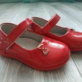 Красивые туфельки 24 размера