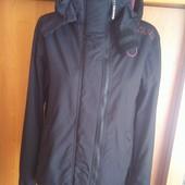 Куртка спортивная с высоким воротником и манжетами. внутри флис, размер S, Superdry. состояние