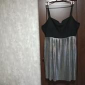 Фирменное новое красивое платье редкого размера 28-32.