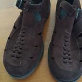Коричневые замшевые подростковые туфли- босоножки, длина стельки-25