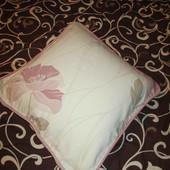 подушка маленькая в наволочке