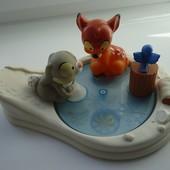 Чудесный игровой набор Бемби от Дисней. Ледяной каток+фигурки