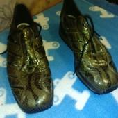 """Открытые кроссовки лаковые """"под питона"""" размер 37"""