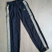 Женские спортивные штаны. Производитель: Adidas. размер на выбор.