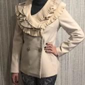 Очень женственное новое кашемировое пальто
