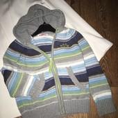 Теплая вязаная кофта на мальчика , с капюшоном