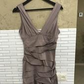 Платье лилового цвета, очень интересное