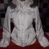 Продам красивенную молодежную курточку. Еврозима. Отличное состояние. Смотрите замеры.