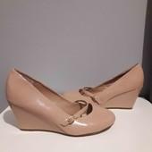 класні туфельки new look 39