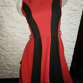 Стильное, красивое платье  рр S