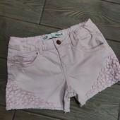 Джинсовые шорты 9-10лет в отличном состоянии