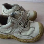 Кожаные ботиночки-кроссовочки, размер 25, стелька 15,5 см.