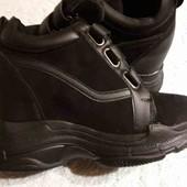 Женские ботинки на осень,кроссовки на платформе 38р новые