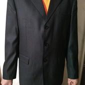 Шикарный новый костюм-двойка. 48-размер.