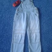 Состояние нового! Шикарный джинсовый полукомбинезон на мальчика 98-116 рост