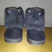 Теплющие зимние угги для девочки. Стелька 15,5 см