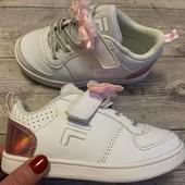 Отличные кроссовки Fila 25 размер стелька 16 см . Состояние новых !!!