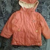 Куртка на девочку утепленная в отличном состоянии
