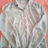 Нежная светло голубая рубашка с вышивкой