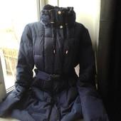 Красивая женская удлиненная куртка-пуховик,состояние хорошее,постирать,р.14 смотрите замеры