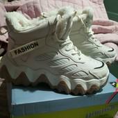 Обалденные зимние ботинки,кроссовки в спортивном стиле на меху 38р