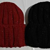 Симпатичная шапка на флисе с подворотом с легким мерцанием