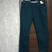 Фирменные новые красивые мужские джинсы бутылочного цвета р.38-30 на пот-48,5-50