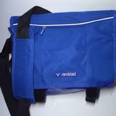 Фирменная вместительная спортивная, дорожная сумка.