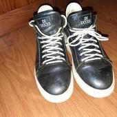 Кожанные, с фиалетовым напылением на флисе ботиночки