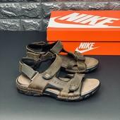 Босоножки кожаные Nike на липучках Размер 37 стелька 23,5 см Распродажа последних размеров - 70 %