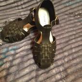 Мегастильні літні туфлі для красунь