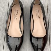 Лаковые туфельки\белеки отличного качества.