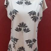 Милая блузка оконтовка возле горла бусинки
