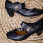 Стильные чёрные туфли в отличном состоянии. Сток