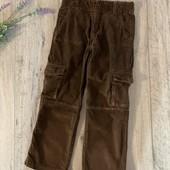 Вельветовые штаны на мальчика 6-7 лет. В хорошем состоянии.