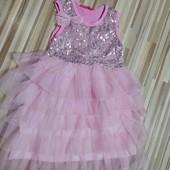 платье нарядное 3-4 года , состояние нового