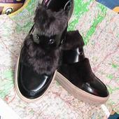модные ботинки лаковые с мехом 39(38)р Тамарис Германия сток есть нюанс