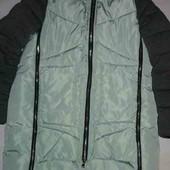 Пальто на холлофайбере с капюшоном мятного цвета