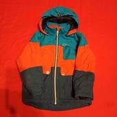 Качественная, добротная курточка на рост где-то 110-116 в отличном состоянии