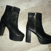 кожаные полусапожки на высоком каблуке-состояние идеальное (р 40)