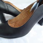 Туфли 38 р., Caprice Германия кожа оригинал-24.5 cm