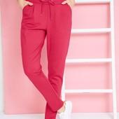 Стильнячие, качественные фирменные штаны. р-р: 44/46. новые. описание