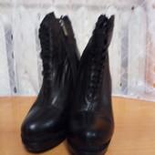 Фирменные кожаные ботинки демисезон размер 38