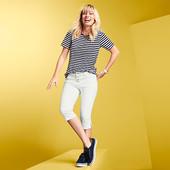 ☘ Жіночі джинсові штани 3/4 з бічними розрізами Tchibo (Німеччина), розміри наші: 52-54 (46 євро)