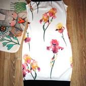 Шикарное платье в цветах. Размер S.